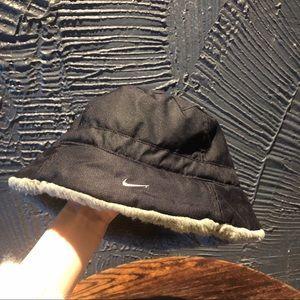 Nike fluffy bucket black grey hat